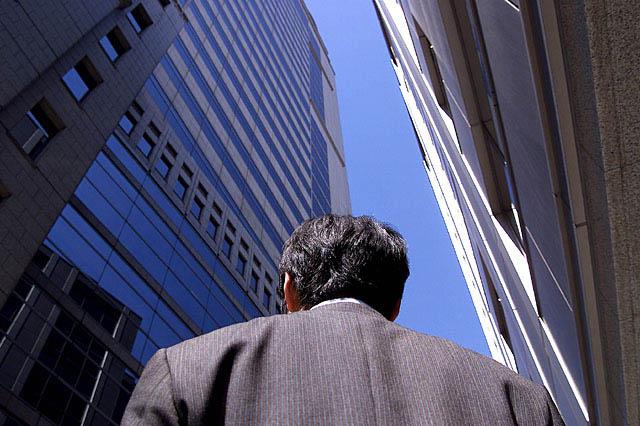 大企業の正社員から50歳でフリーターへ転落【地方工場勤務の現実】